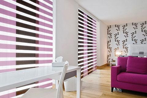 instalación de papel pintado en Vigo a juego con estores y mobiliario